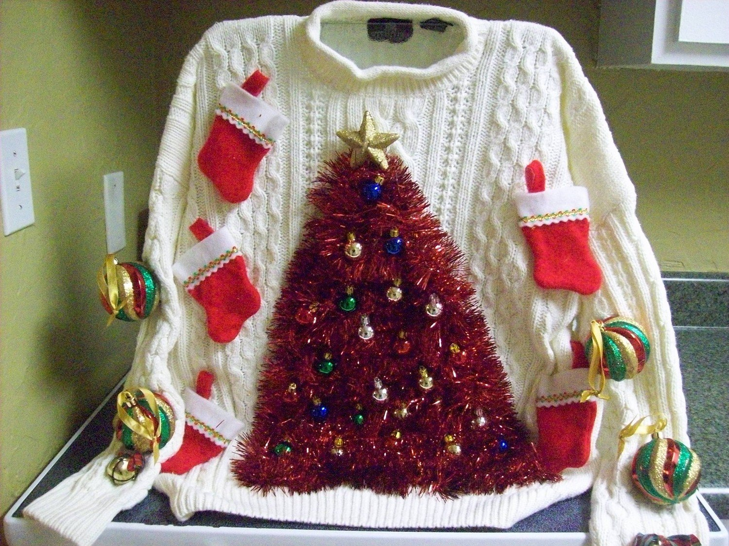 The Top Ten Ugliest Ugly Christmas Sweaters   Bridgette Raes Style cVeRAMP7