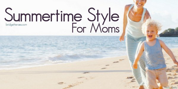 Stylish Mom Outfits for Summertime with the Kids